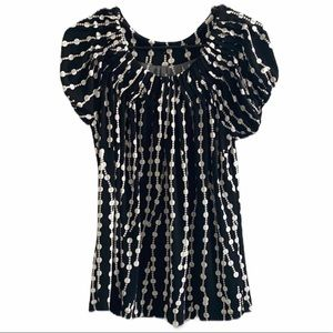 Tops - Black and white Scoop Neck Blouse